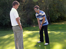 Golf day raises £2,500