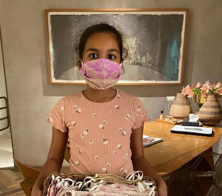 Pupil's sari face masks protecting people from coronavirus in India